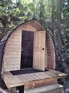 The pod is an extra bedroom just outside the chalet that has heat and electricity