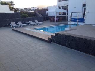 Maravillosa Villa en pueblo tranquilo y céntrico, espectaculares vistas al mar.