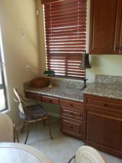 Kitchen Nook Desk - Workstation