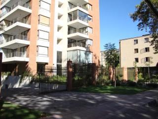 El Campanario-Beautiful 2 BR Condo in Providencia with AC, Santiago