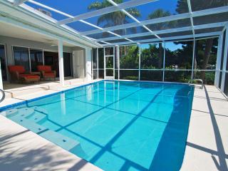 3BR/2BA, Florida| Waterfront| Pool Home| w/Dock, San Petersburgo