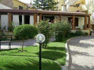 VILLINO INDIPENDENTE CON GIARDINO-VISTA MARE CENTR, Alghero