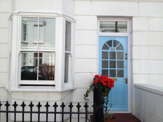 Victorian two storey Apartment in Kemp Town heart Brighton sleeps 2 to 4 people.
