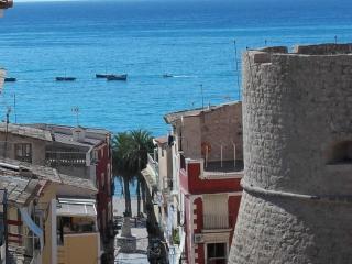 Muralla Villajoyosa con vistas al Mediterraneo