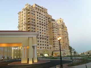 Modern & luxurious apartment in Al Hamra Village with WiFi , huge balcony