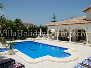 Luxury Holiday Villa La Palmera with private pool, Javea