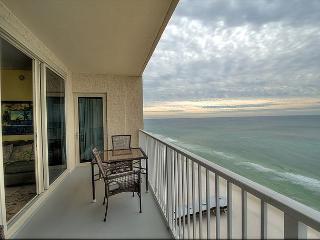 Beach Front Condo w/ Balcony~Great Amenities~Shores of Panama 1629-Sleeps 8, Panama City Beach
