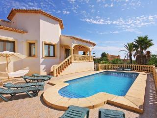 VILLA ALTAMIRA: private pool, bbq-area, free wifi, Calpe