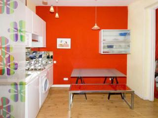 Perfect located 2 bedroom Apartment with Balconies, Madrid