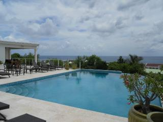 Villa LA DI DA with incredible views, Pelican Key, Simpson Bay