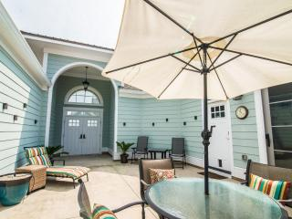 Relax on your private courtyard and put your feet up.