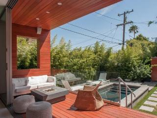 Rugby Drive by Onefinestay, Long Beach