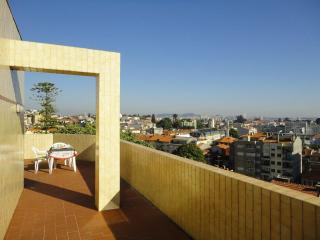 Penthouse With a View Over Porto, Oporto