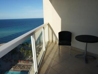 LA PERLA OCEANFRONT ON THE BEACH 1/1.5 ON 15TH FL