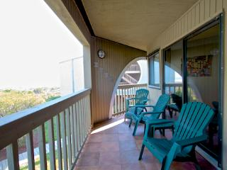 Hibiscus Resort - C201, Oean View, 2BR/2BTH, 3 Pools, Wifi, Saint Augustine