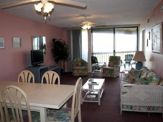 Hibiscus Resort - B201, Ocean Front, 2BR/2BTH, 3 Pools, Wifi, Saint Augustine
