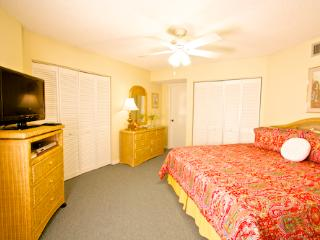 Hibiscus Resort - H201, Pool View, 2BR/2BTH, 3 Pools, Wifi, St. Augustine