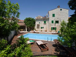 Luxourious Villa Neroli in heart of ancient Svetvincenat