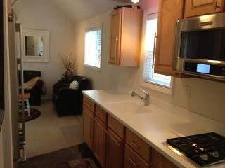 Arlington Riverfront Luxury Cabin