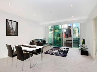 Melbourne CBD apartment on Collins Street