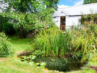 PANDY COTTAGE, all ground floor, lawned garden, walks from the door, near Lampeter, Ref 916110
