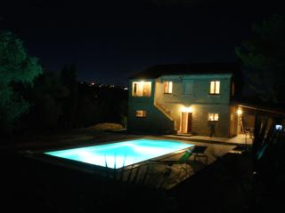 Farmhouse with exclusive pool, Recanati