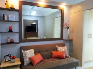 Fully Furnished Cozy 1BR Condo Beside Mall, Quezon City