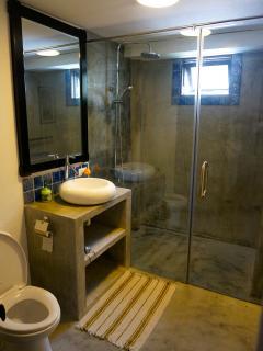 Annam House Downstairs Bathroom