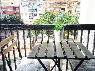 Bohemian apartment: now only 70€/night/2 persons, Barcelona