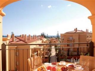 Luxury Baia da Luz Penthouse w/WiFi