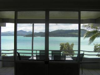 Frangipani 102 - Sleeps 6 - Buggy Included, Hamilton Island