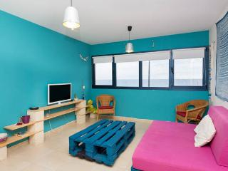 APARTMENT BY THE SEA IN PUERTITO - TENERIFE- WIFI, Guimar