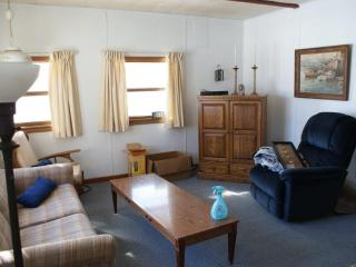 Cozy cottage on Silver Lake, Traverse City, MI