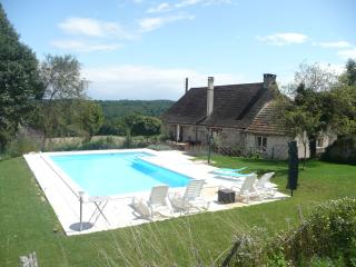Dordogne farmhouse.  Heated, private pool. Animals