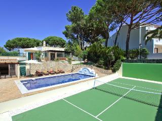 Stunning 4 bed villa in Vale do Lobo, Algarve