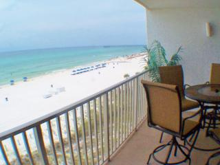 Amazing 4th floor views, beach front, floor to ceiling glass walls, Updates Nice