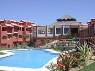 Luxury Holiday Rental 2 Bed Private Apartment in the Albayt Resort Estepona