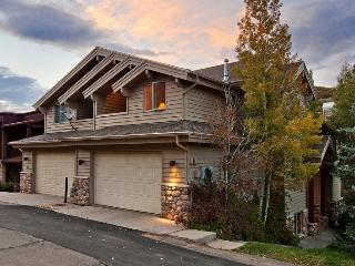Deer Valley Loop with Private Outdoor Hot Tub, Park City