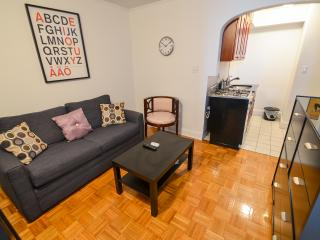 Awesome 2 bedroom~murray hill~deal, New York City