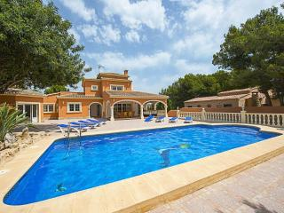Villa Kate - Only 900 m to Moraira, the sand beach and the facilities.