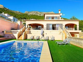 VILLA AMANDA: 5 min-driving to calpe and sandbeach, Calpe