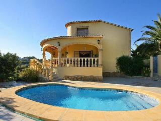 VILLA LLOBELL: 500m to sandbeach and facilities, Moraira