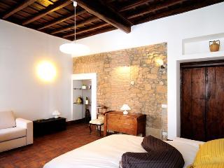 Spanish Steps homely loft