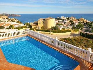 VILLA SOL: stunning seaviews, private pool, aircon, Benitachell