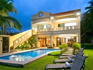 Luxury Oceanfront House On Jaco Beach - Casa Rio Mar