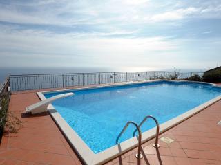Lovely Large Villa, Stunning Views, Lush Gardens, Pool - Prime Amalfi Coast Loc.
