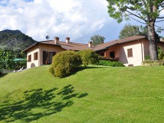 VILLA PANORAMICA a Rogaro Lake Como, Tremezzo