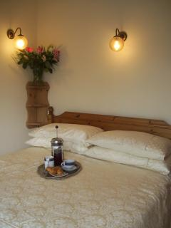 cosy double bedroom with views of the Shakespeare's country...