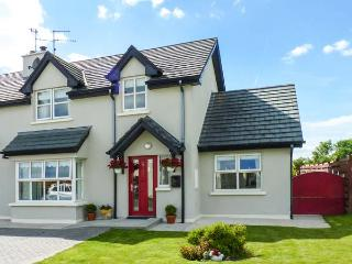 WHITEWATER ESTUARY, semi-detached, near harbour, woodburner, WiFi near