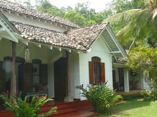 Colonial style holiday villa close to the beach